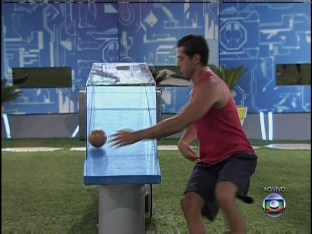 28.mar.2014 - Marcelo sai na frente na segunda etapa da prova do líder