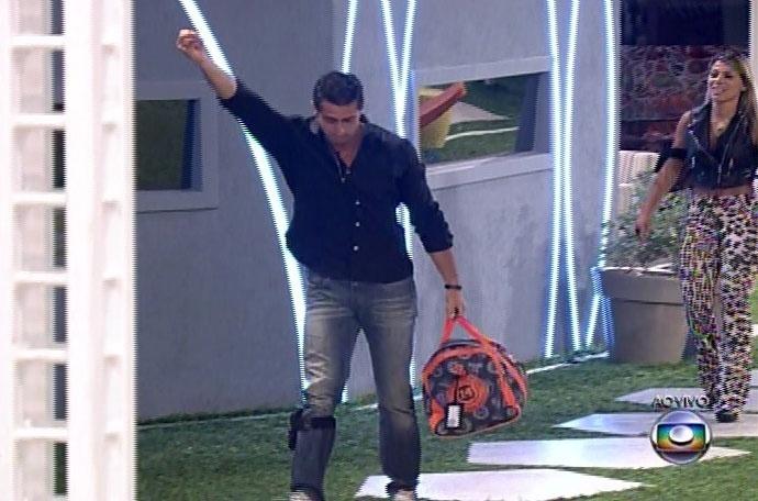 30.mar.2014 - E com 55% dos votos, Marcelo é eliminado do