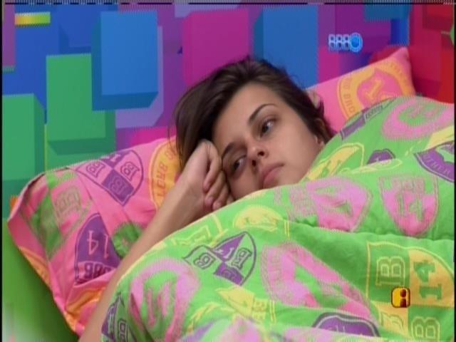 31.mar.2014 - Angela e Clara especulam torcida de eliminados.