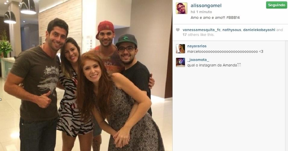 """01.abr.2014 - Marcelo, Alisson, Princy, Rodrigo e Amanda se encontram na grande final do """"BBB14"""""""