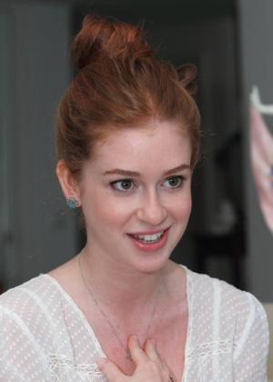 http://imguol.com/c/entretenimento/2014/04/01/1abr2014---a-atriz-marina-ruy-barbosa-se-prepara-para-a-novela-falso-brilhante-1396389412683_300x420.jpg