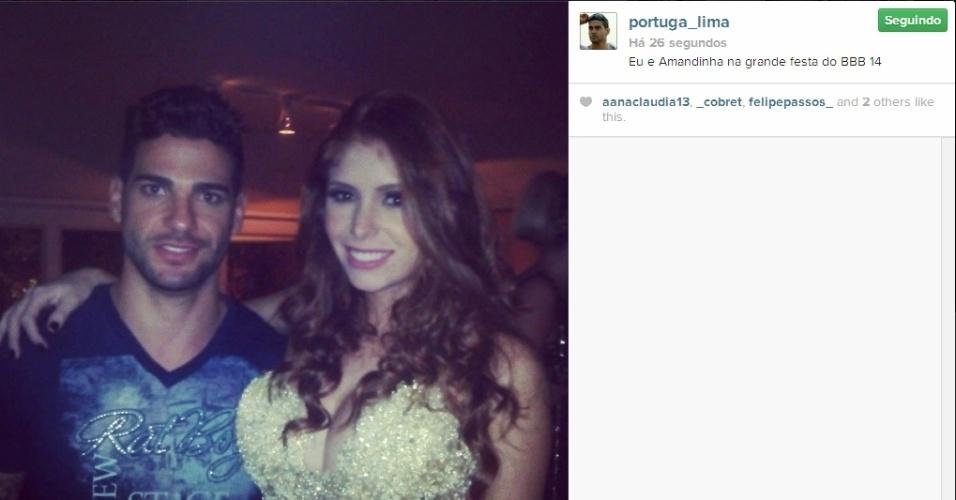 02.abr.2014 - Rodrigo posta foto com Amanda na festa do