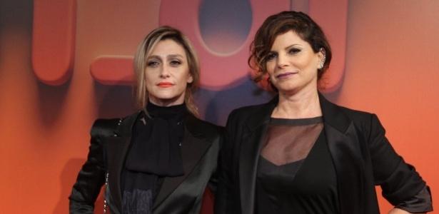 2.abr.2014 - Amora Mautner e Débora Bloch prestigiaram a