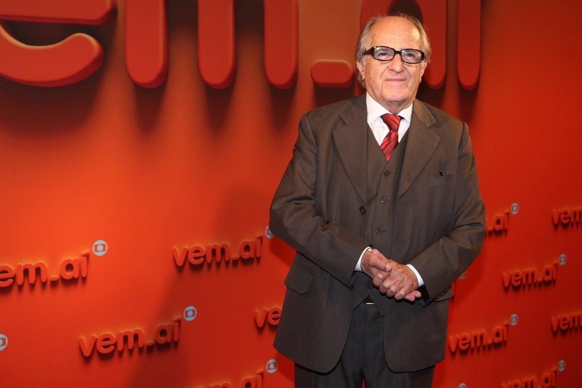 2.abr.2014 - Ary Fontoura prestigiou a