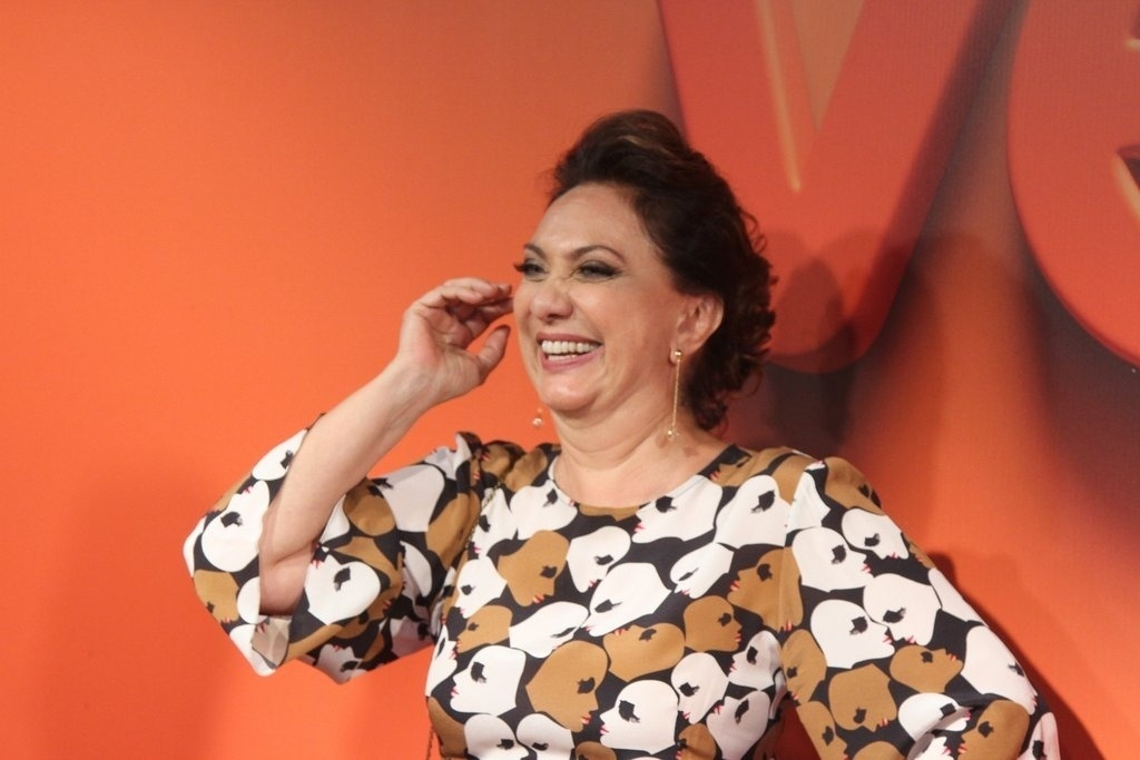 2.abr.2014 - Eliana Giardini prestigiou a