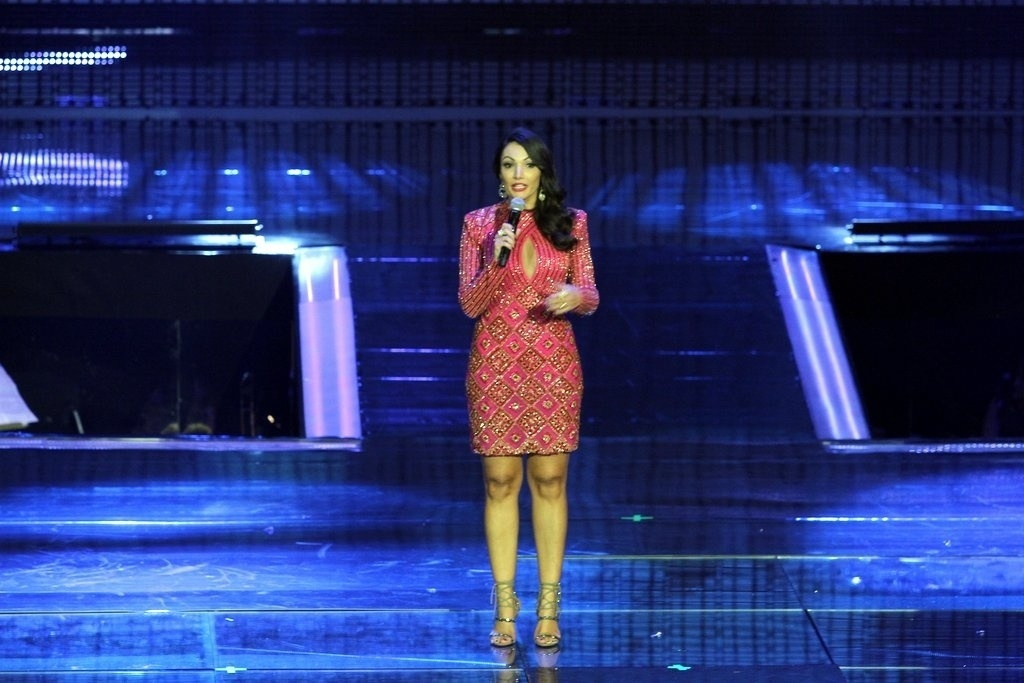 2.abr.2014 - Patrícia Poeta na gravação do