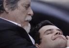 """Em """"Joia Rara"""", Manfred não resiste e morre em perseguição - Reprodução/Joia Rara/Gshow"""