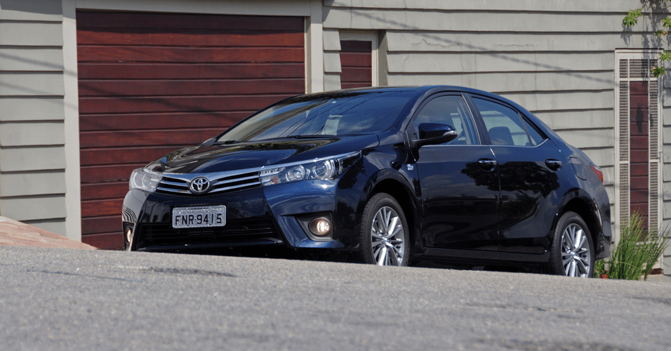 Toyota corolla altis 2015 autos weblog