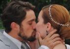 """Em """"Joia Rara"""", Viktor e Sílvia se casam em cerimônia íntima - Reprodução/""""Joia Rara""""/GShow"""