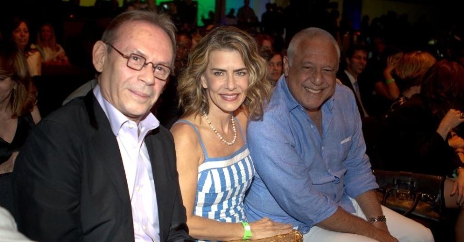 2012 - José Wilke com os colegas de emissora Maitê Proença e Antônio Fagundes, em evento de lancamento da programacao da Rede Globo