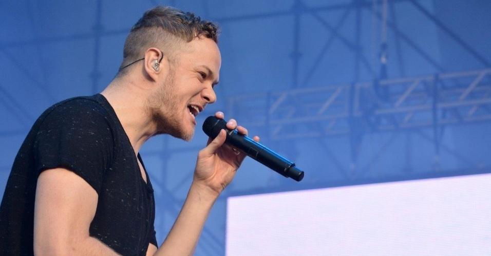 5.abr.2014 - Imagine Dragons faz show no Lollapalooza 2014 no Autódromo de Interlagos, em São Paulo