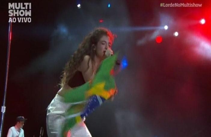 5.abr.2014 - Lorde se apresenta no Lollapalooza 2014 no Autódromo de Interlagos, em São Paulo