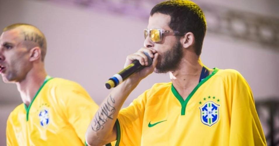 06.abr.2014 - MC Maomé do ConeCrew Diretoria durante show no Lollapalooza 2014, no Autódromo de Interlagos de São Paulo