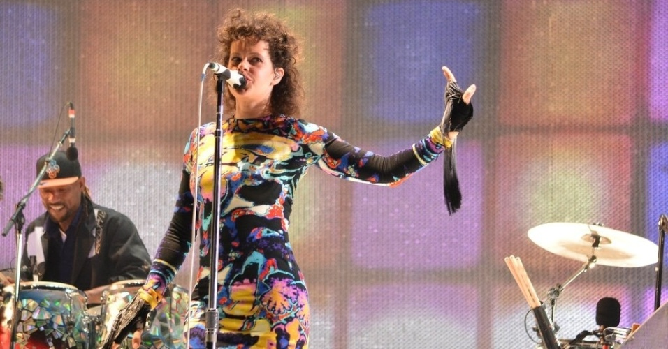 6.abr.2014 - O Arcade Fire se apresenta no segundo dia do Lollapalooza 2014 no Autódromo de Interlagos, em São Paulo