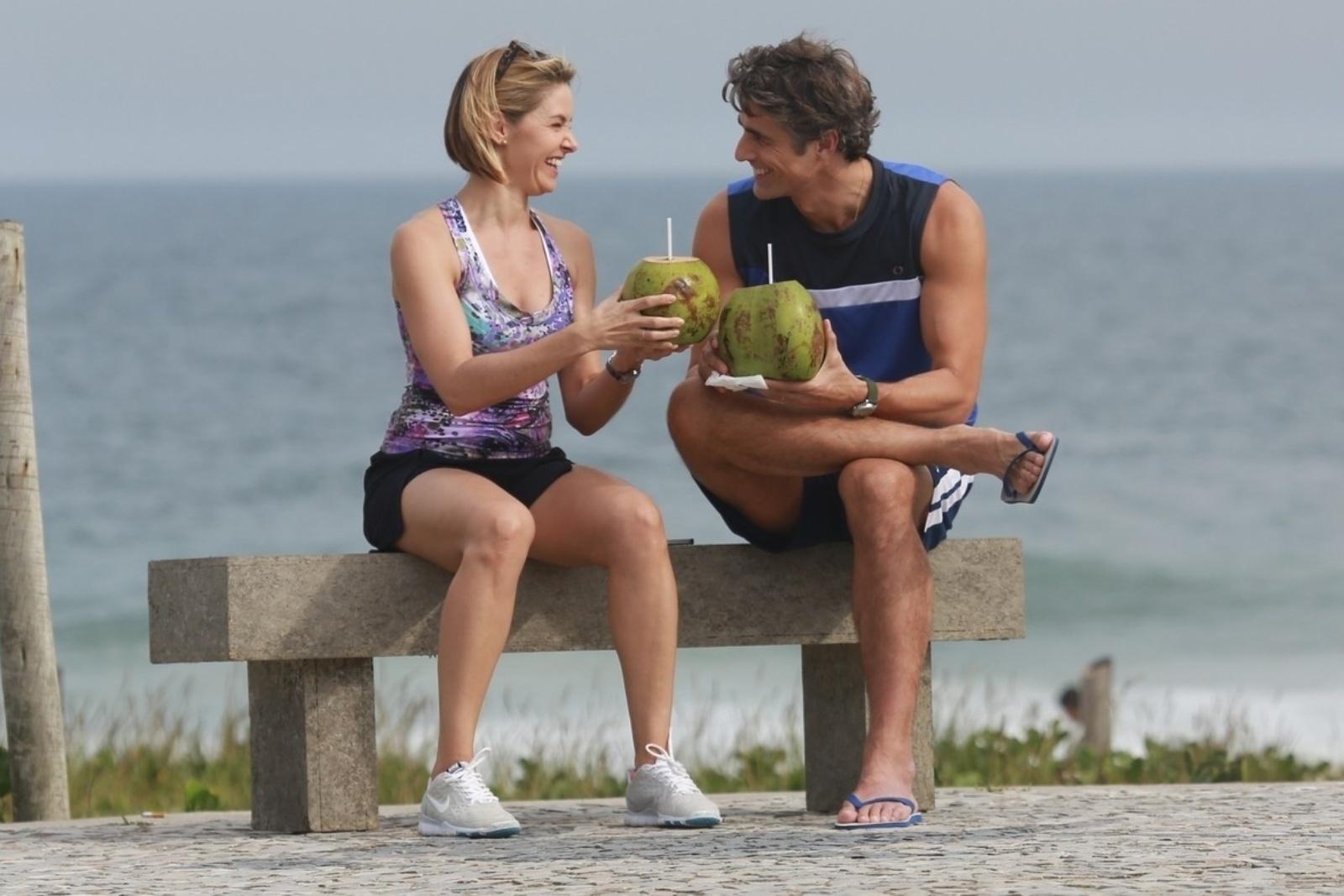 9.abr.2014 - Bianca Rinaldi e Reynaldo Gianecchini gravam a novela