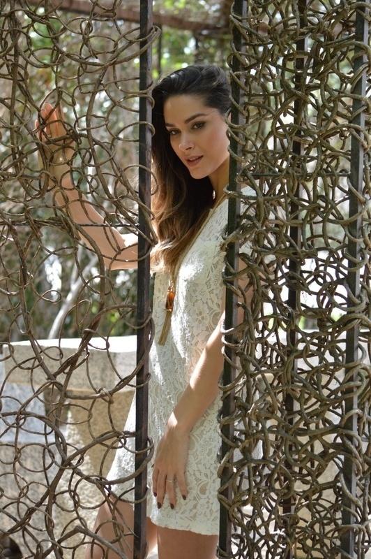 9.abr.2014 - Fernanda Machado fez ensaio nos bastidores do espetáculo