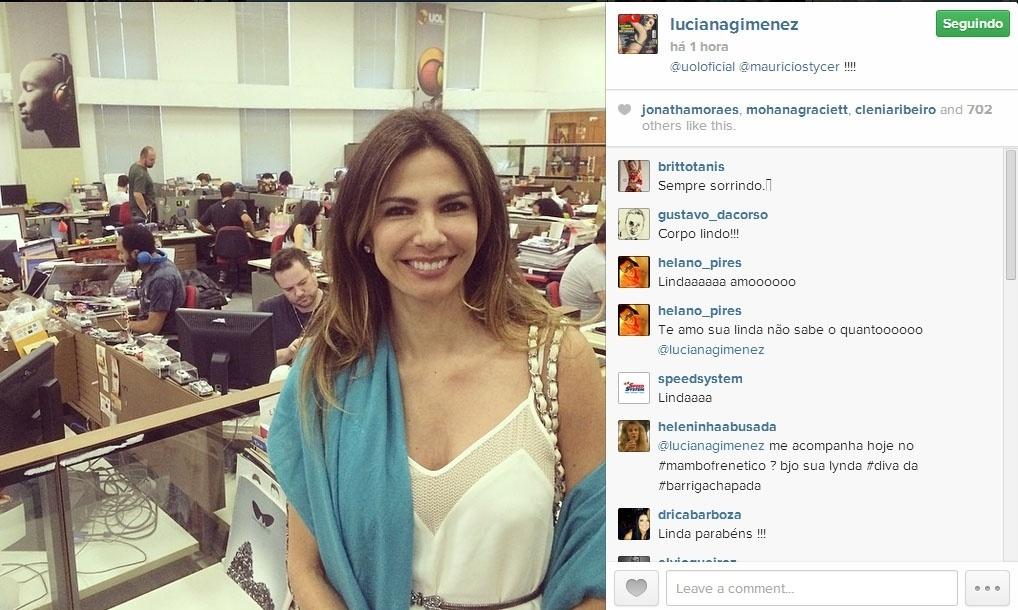 Luciana Gimenez posa na redação do UOL em São Paulo