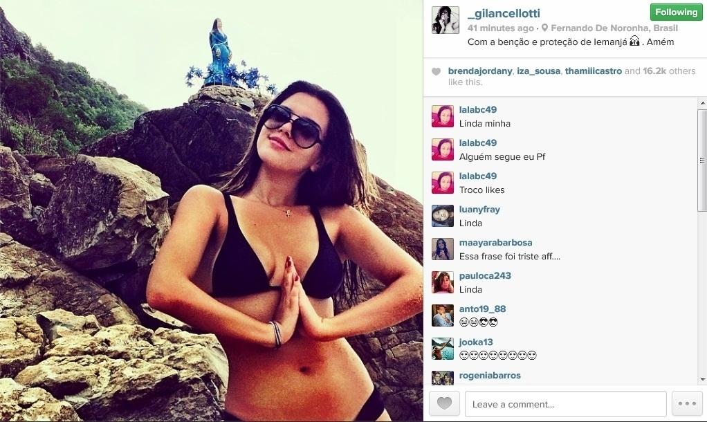 12.abril.2014 - Giovanna Lancellotti exibe cintura fininha ao posar em praia de Fernando de Noronha. A atriz, que está na ilha para comemorar o aniversário de Bruno Gagliasso, compartilhou uma foto de biquíni na tarde deste sábado (14), em seu perfil oficial no Instagram.