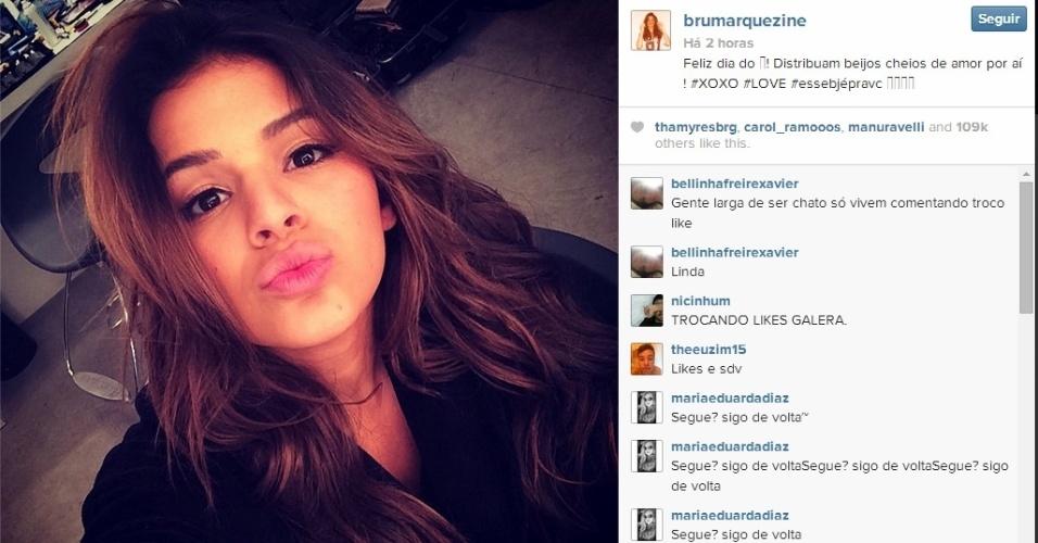 13.abr.2014 - No Dia do Beijo, Bruna Marquezine posta mensagem misteriosa em rede social: Feliz dia do ! Distribuam beijos cheios de amor por aí ! #XOXO #LOVE #essebjépravc