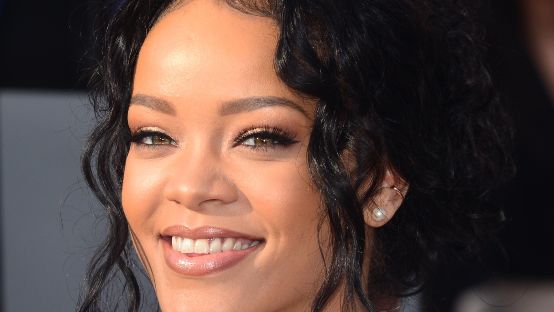 13.abril.2014 - Rihanna no MTV Movie Awards 2014, na noite deste domingo (13), no Nokia Theatre, em Los Angeles