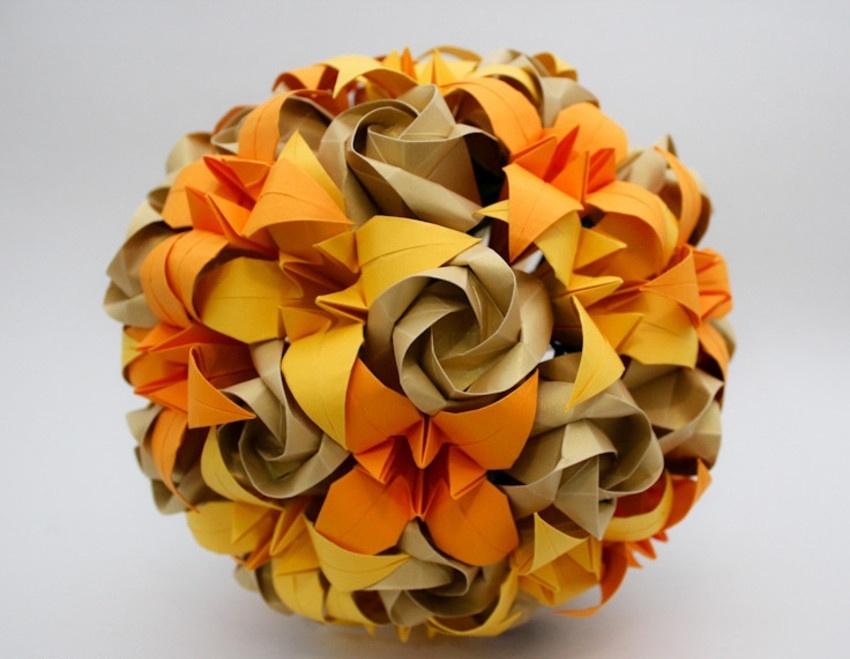 Buquê de rosas e lírios em origami. Da A&M Origami
