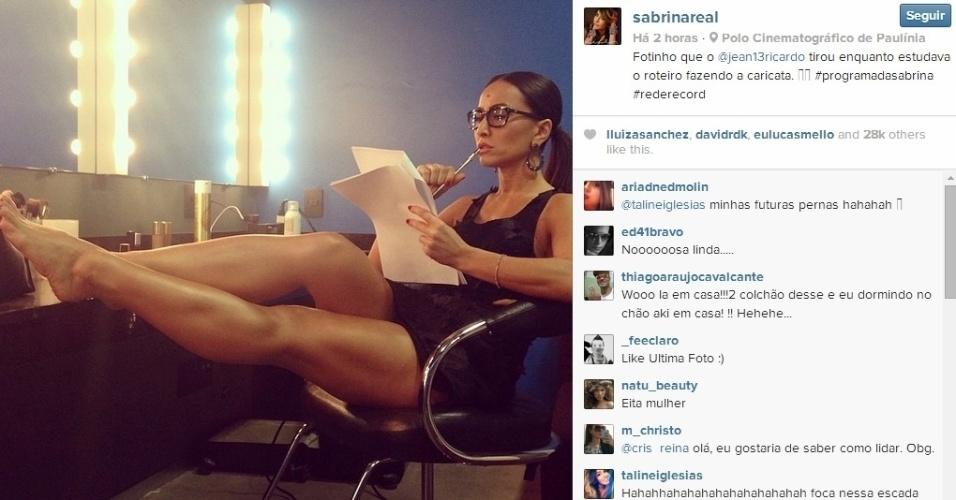 16.abr.2014 - Sabrina Sato postou uma imagem dos bastidores das gravações de seu novo programa na Rede Record, em Paulínia.
