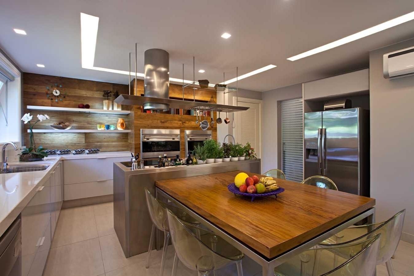 arquiteta Andrea Chicharo criou um projeto de cozinha em que o  #A36928 1348 899