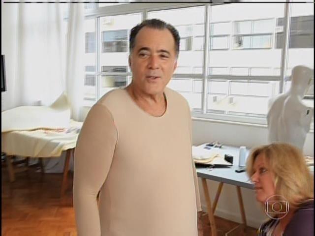 Tony Ramos se caracterizando para interpretar Getúlio Vargas no filme