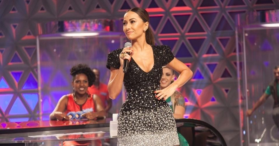 Sabrina Sato estreia na Record no sábado (26/04)  e terá Anitta, uma entrevista com Tom Cavalcante e a presença de membros do
