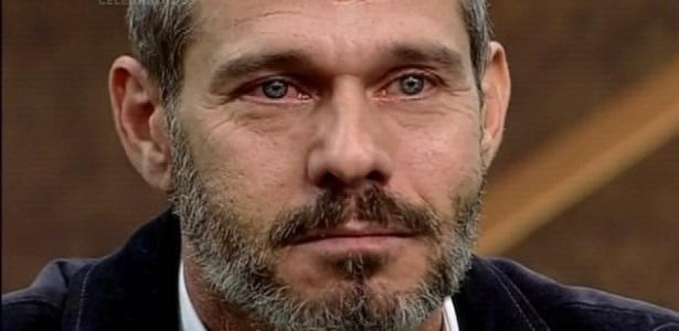 """Nico Puig se emociona ao ser demitido por Roberto Justus no segundo episódio de """"O Aprendiz Celebridades"""""""