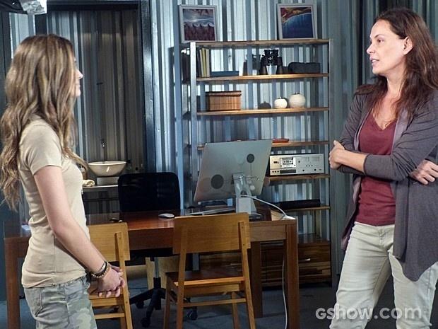 Tereza ameaça contar a verdade para LC, mas Lili enfrenta a vilã