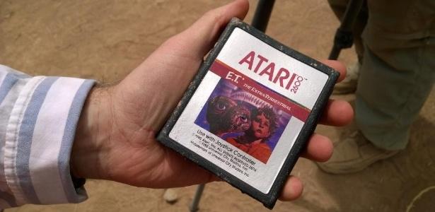 """Cartuchos de """"E.T."""" são os mais famosos, mas representam só 10% dos jogos enterrados pela Atari no Novo México"""