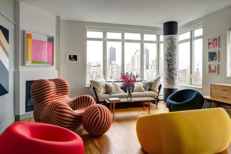 Sala De Estar Com Poltrona Amarela ~ Na sala de estar do apartamento do arquiteto Allan Greenberg, a grande