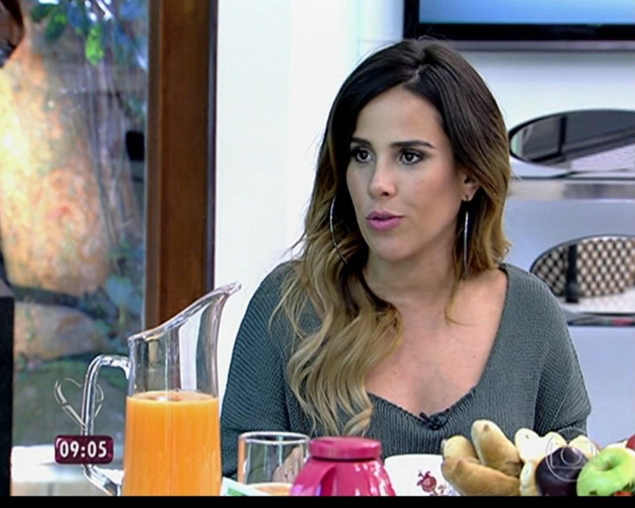 2.mai.2014 - Wanessa é entrevistada por Ana Maria Braga no