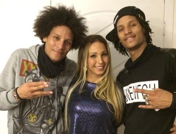Valesca Popozuda recebe dançarinos de Beyoncé em seu show