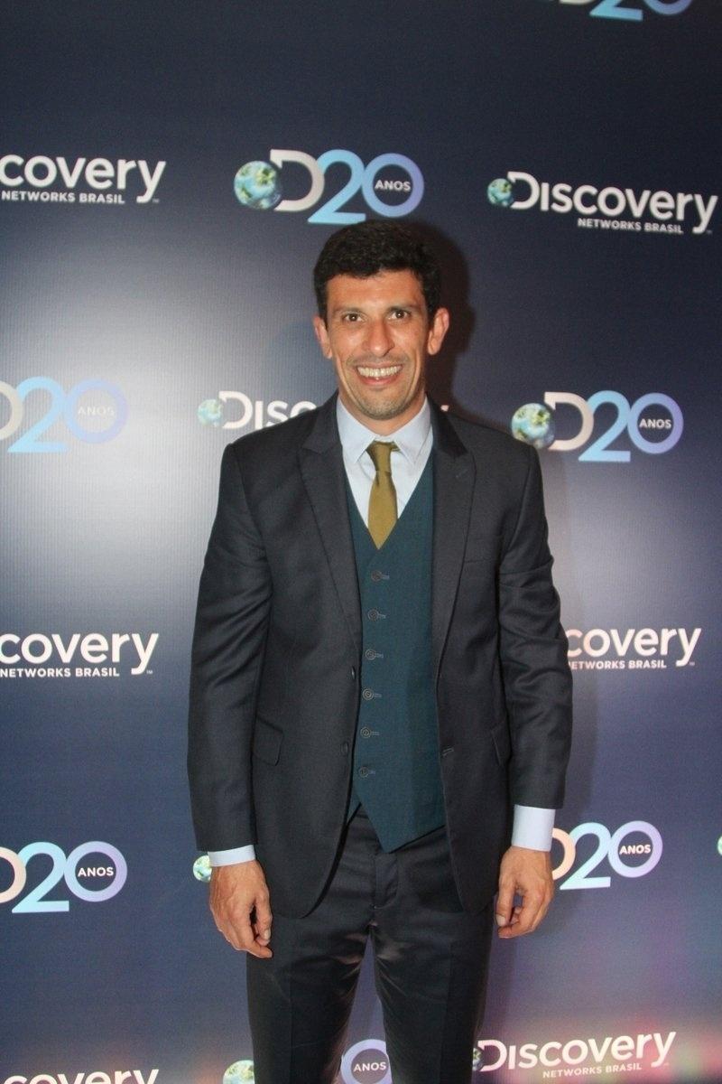 8.mai.2014 - Milhem Cortaz prestigiou a festa de 20 anos da Discovery Networks, em São Paulo
