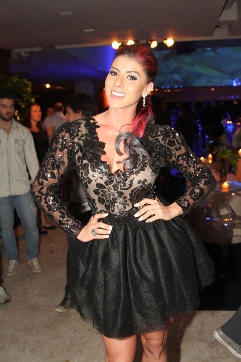 8.mai.2014 - Thaís Bianca prestigiou a festa de 20 anos da Discovery Networks, em São Paulo