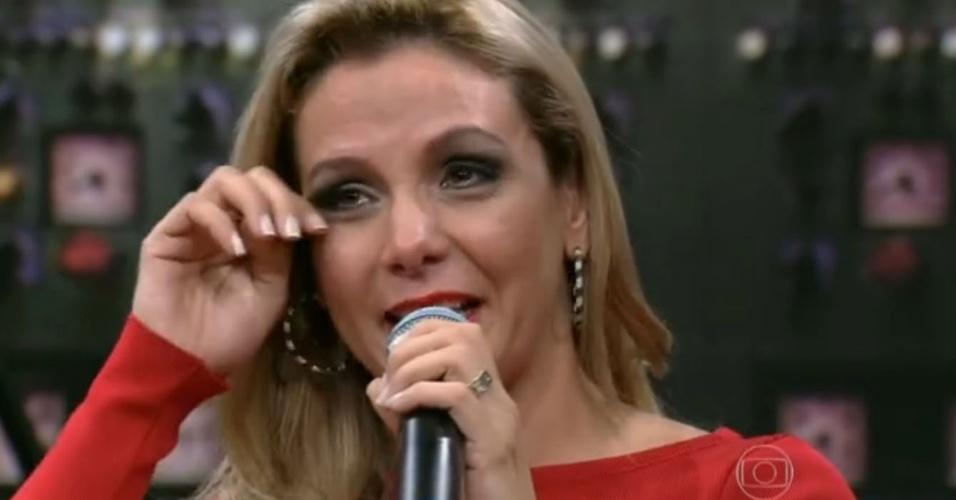 <b>Carla Perez</b> chora ao recordar dificuldades e apoio de mãe na carreira <b>...</b> - 11mai2014---carla-perez-chora-ao-recordar-dificuldades-ao-lado-da-mae-e-disse-que-nao-escolheu-ser-dancarina-1399789315929_956x500