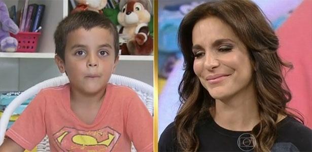 Ivete Sangalo chora com depoimento do filho, Marcelo