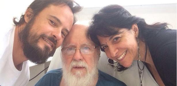 Paulo Vilhena com o pai, Sergio Atz, e a irmã, Christiane Vilhena