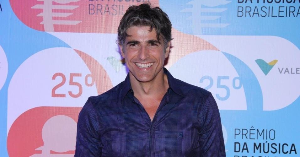 14.mai.2014 - O ator Reynaldo Gianecchini encanta o 25º Prêmio da Música Brasileira no Rio de Janeiro