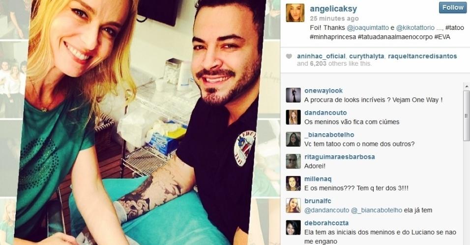 16.mai.2014 - Angélica fez uma tatuagem em homenagem a filha, Eva. A atriz escreveu o nome da menina no pulso.