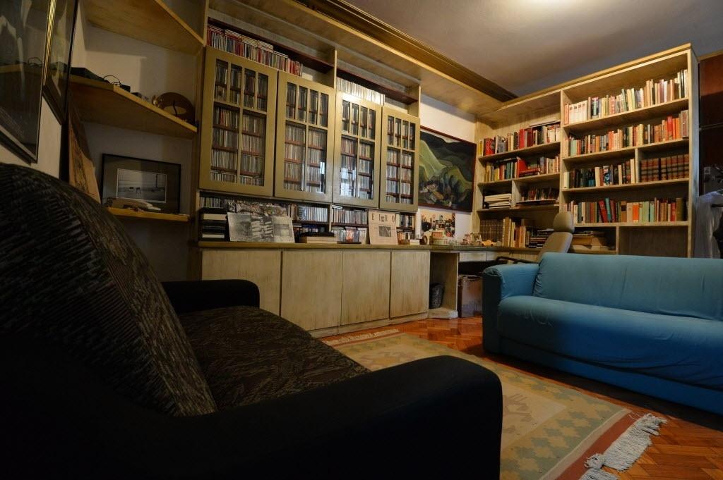 12.mai.2014 - Apartamento onde Renato Russo morou entre 1990 e 1996, no bairro de Ipanema, no Rio de Janeiro, e mantido pelo filho Giuliano Manfredini