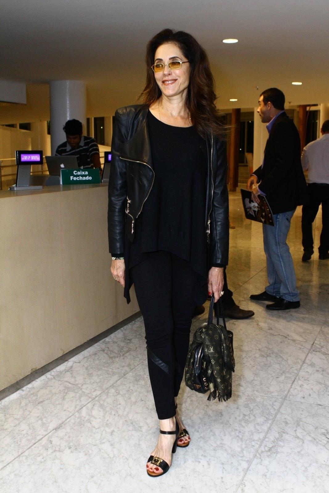 19.mai.2014 - Christiane Torloni prestigiou a estreia do musical
