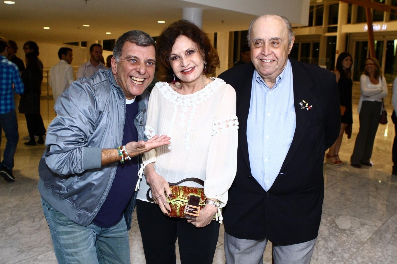 19.mai.2014 - Jorge Fernando, Rosamaria Murtinho e Mauro Mendonça prestigiaram a estreia do musical