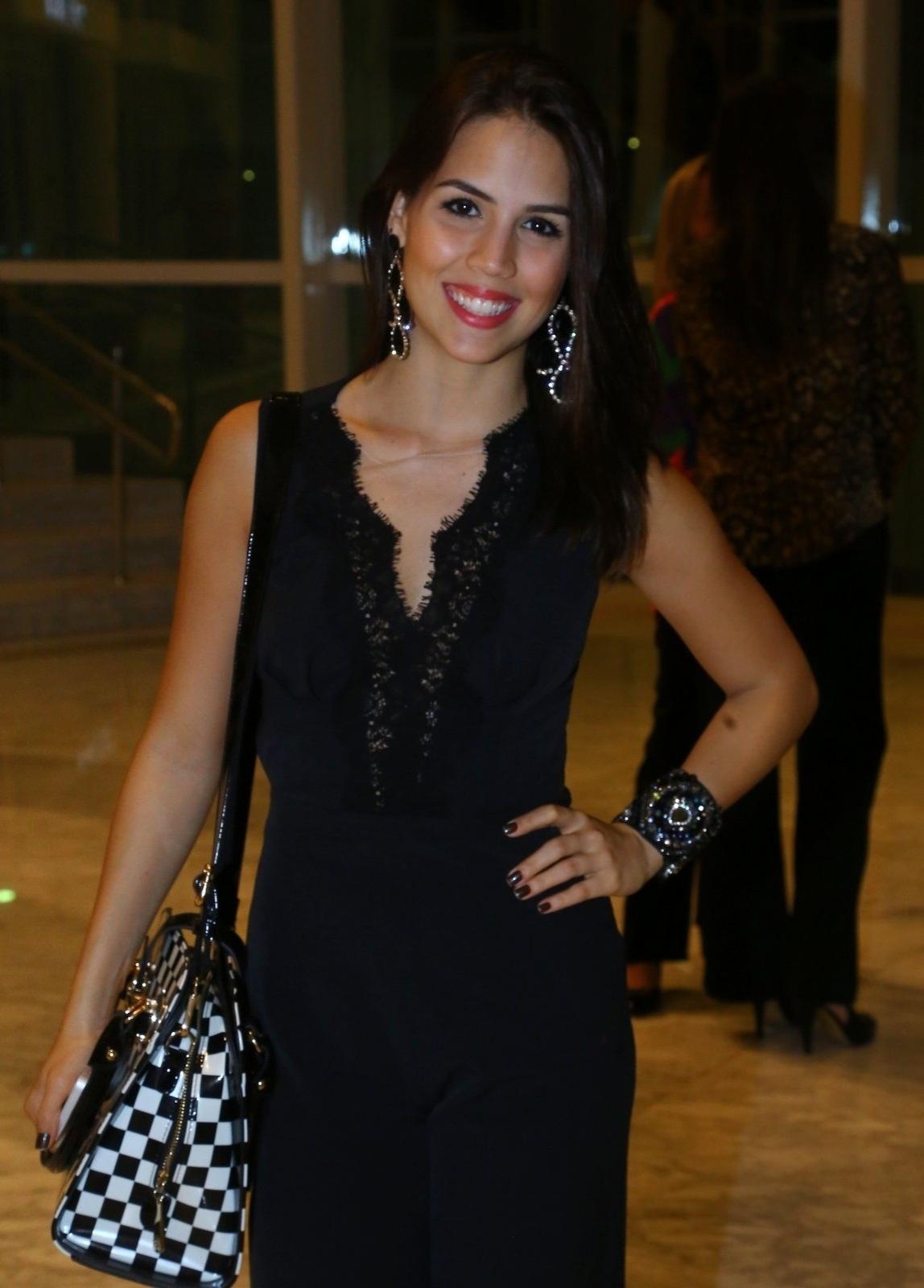 19.mai.2014 - Pérola Faria prestigiou a estreia do musical