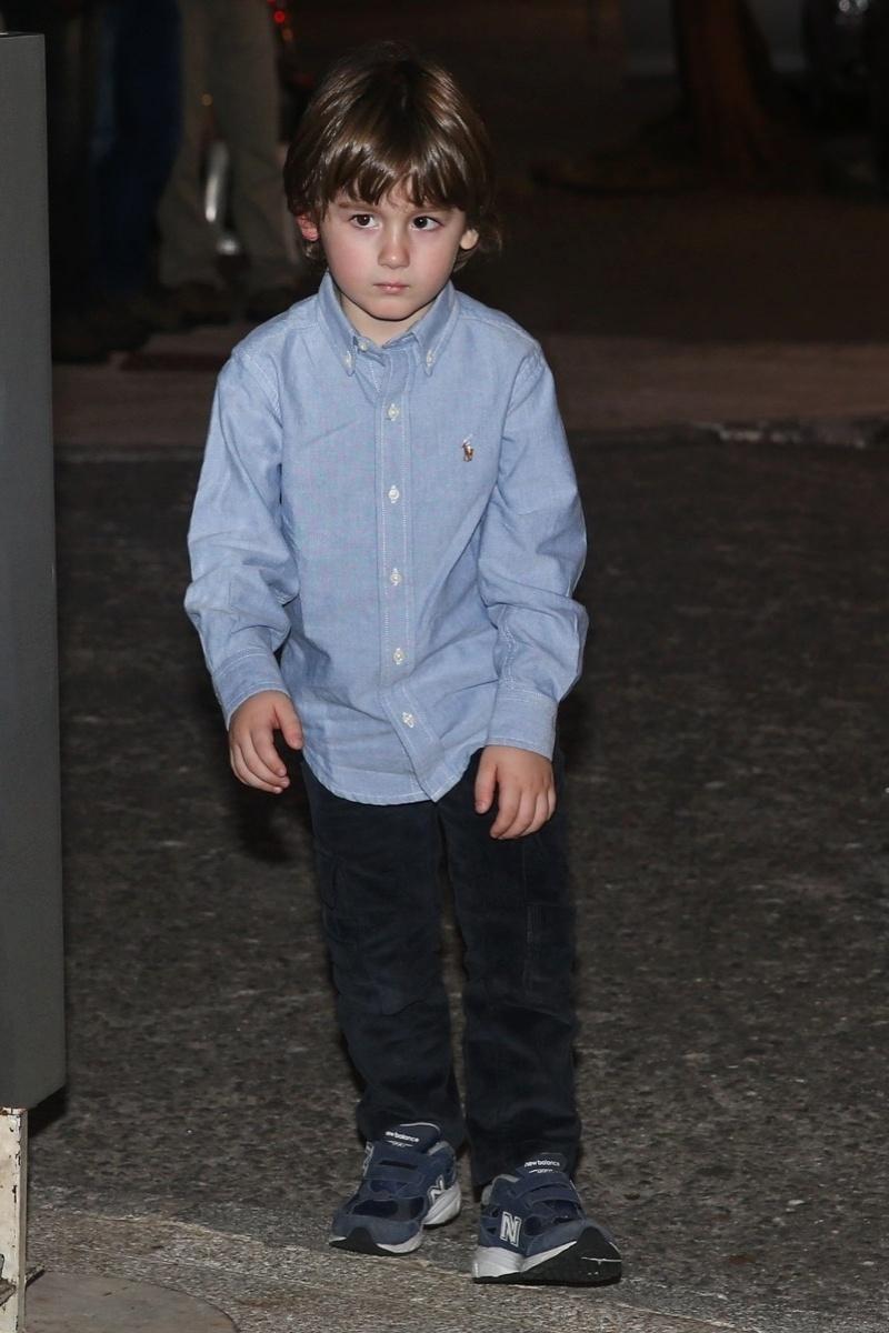 20.mai.2014 - Pietro, filho do apresentador Otavio Mesquita, aparece cheio de estilo na festa de seis anos de Rodrigo, filho de Fausto Silva, em um buffet infantil de São Paulo. O garoto escolheu o tema