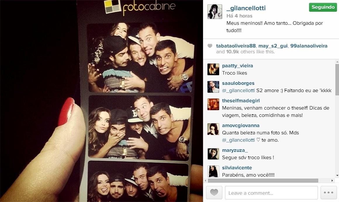 21.mai.2014 - Giovanna Lancellotti mostra sequência de fotos com alguns amigos no dia de seu aniversário, inclusive o ator Caio Castro