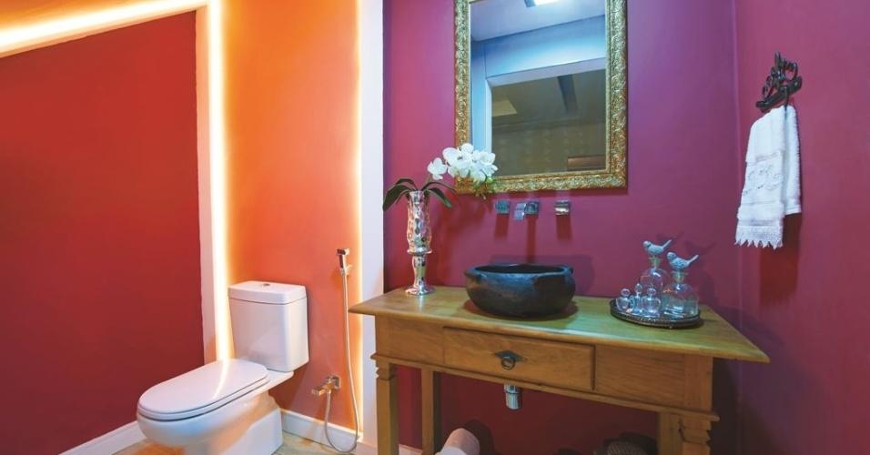 uol decoracao lavabo: por caixotes como a bancada da pia do banheiro Katia Kuwabara/UOL Mais