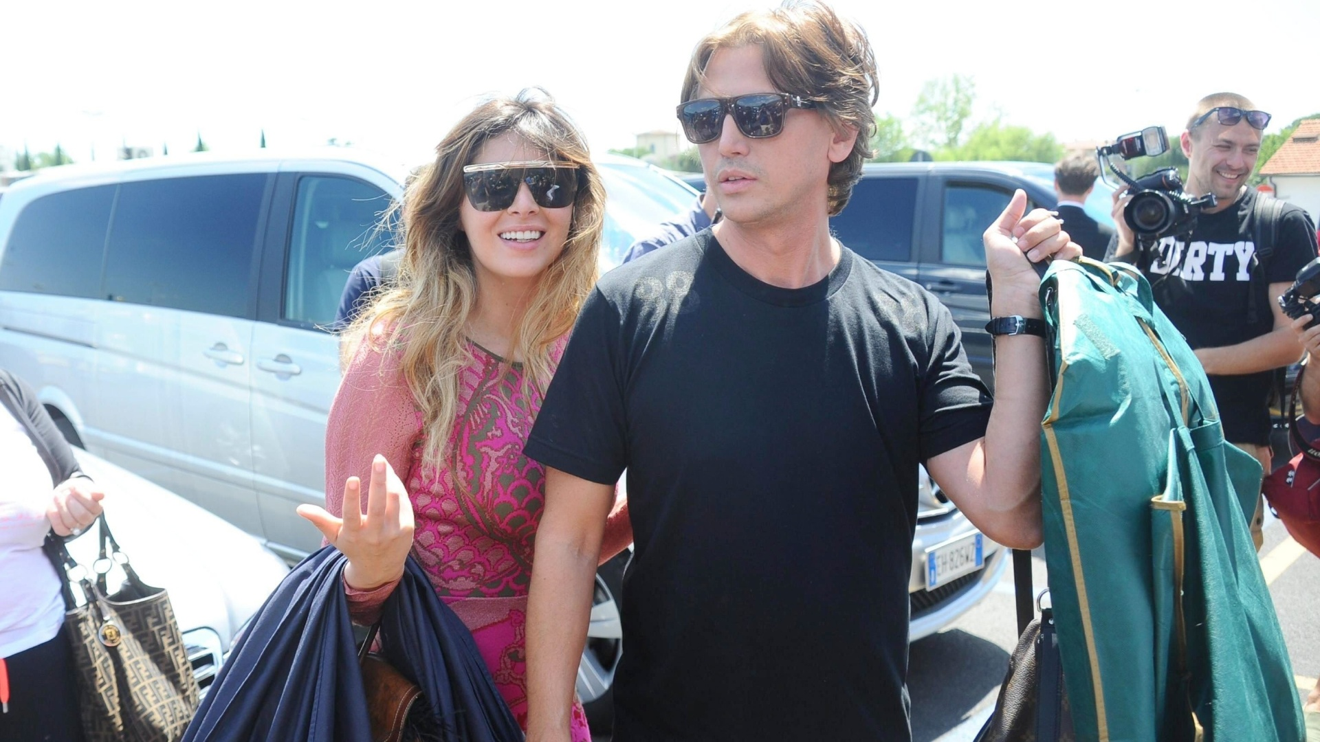 24.mai.2014 - A socialite americana Brittny Gastineau e Jonathan Cheban, amigo dos Kardashian, chegam em Florença